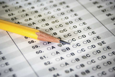 As more schools become 'test-optional,' do juniors still need to take the SAT/ACT?