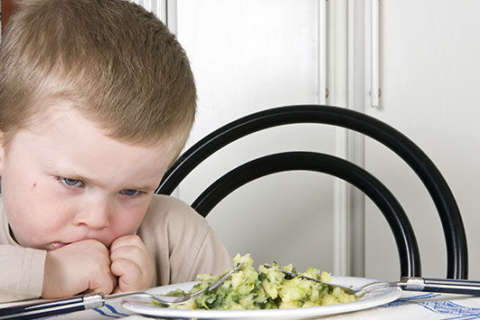 1 easy trick to make your kids eat their veggies