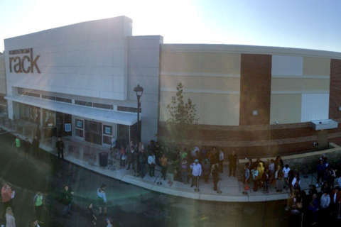 Prince George's shoppers line up for new Nordstrom Rack