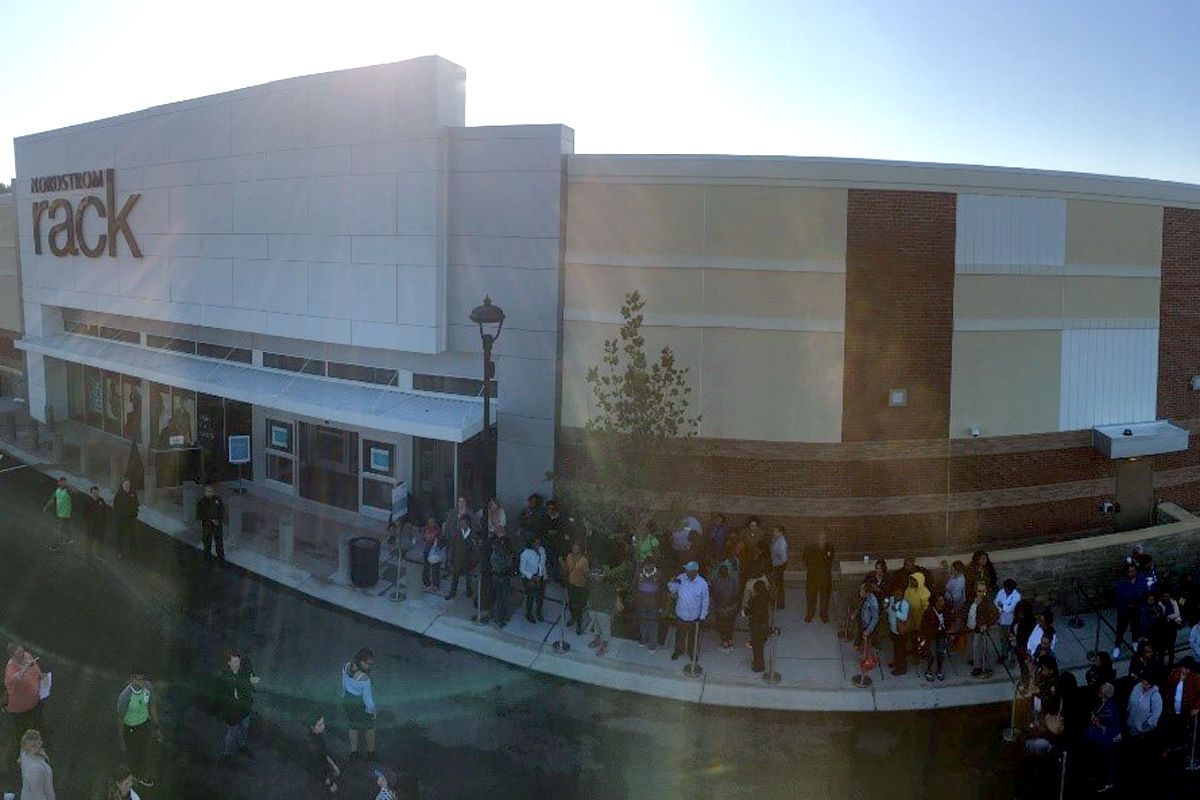 Prince George S Shoppers Line Up For New Nordstrom Rack Wtop