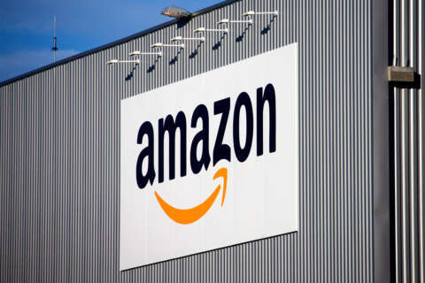 Metro chips in to help lure Amazon's new HQ