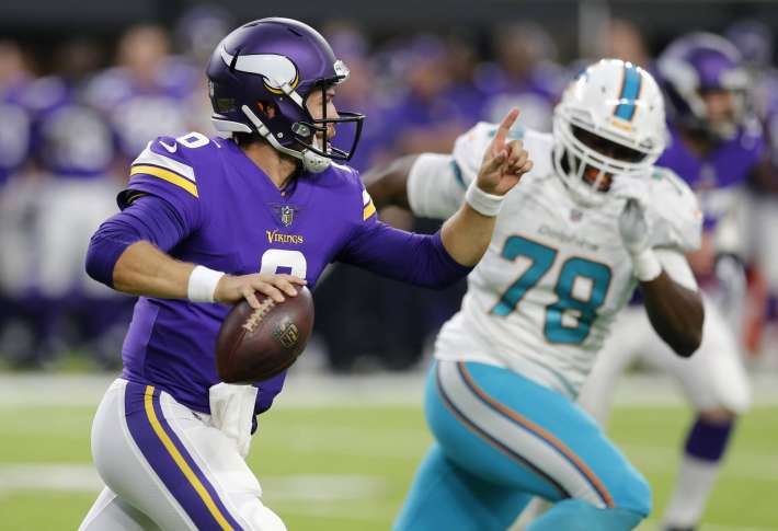 Vikings keep just two QBs on active roster