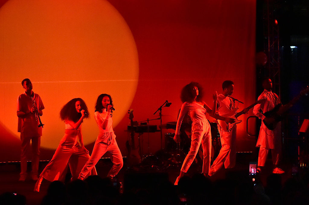 WASHINGTON, DC - JANUARY 19:  Singer Solange Knowles performs onstage at the Busboys and Poets' Peace Ball: Voices of Hope and Resistance at National Museum Of African American History & Culture on January 19, 2017 in Washington, DC.  (Photo by Mike Coppola/Getty Images for Busboys and Poets)