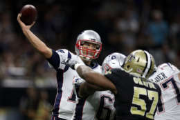 NEW ORLEANS, LA - SEPTEMBER 17:  Tom Brady #12 of the New England Patriots throws a pass against the New Orleans Saints at the Mercedes-Benz Superdome on September 17, 2017 in New Orleans, Louisiana.  (Photo by Chris Graythen/Getty Images)