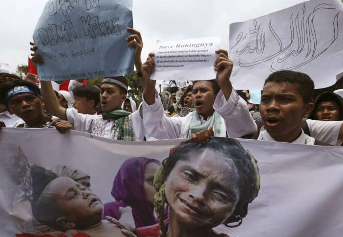 Thousands of Indonesians Join Anti-Myanmar Rally in Jakarta