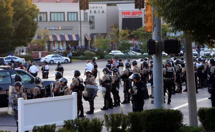 Protesters arrested at St. Louis shopping mall