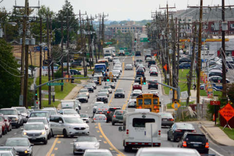Md. bill wants drivers seeing more yellow, not red at traffic lights