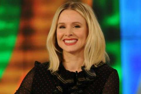 Kristen Bell uses 'Snow White' to teach daughters what NOT to do