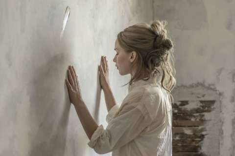 Review: 'Mother' devours its genius allegory with distaste for audience