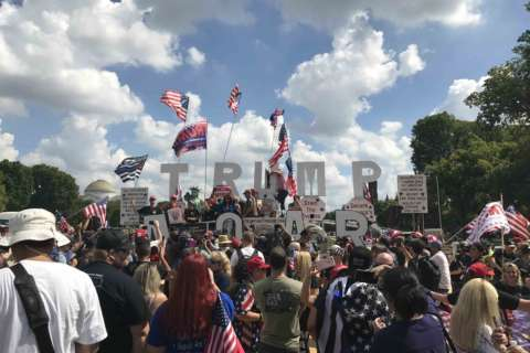 'America first': Pro-Trump rally mobilizes at National Mall