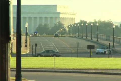 Pedestrian fatally struck on Arlington Memorial Bridge