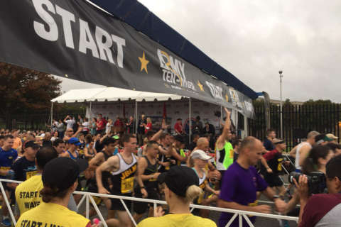 Thousands of runners take part in Army Ten-Miler