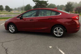This Cruze has some curves this time around. Gone is the straight up boxier styling of the last model. It now looks like the exterior has jumped into the 21st century with a more stylish front end. (WTOP/Mike Parris)