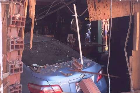 9 injured after car crashes into Upper Marlboro restaurant