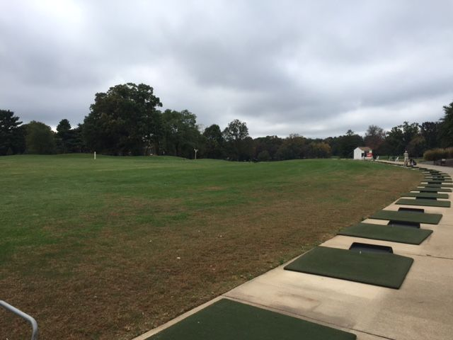 The driving range at Reston National Golf Course. (WTOP/Mike Jakaitis)
