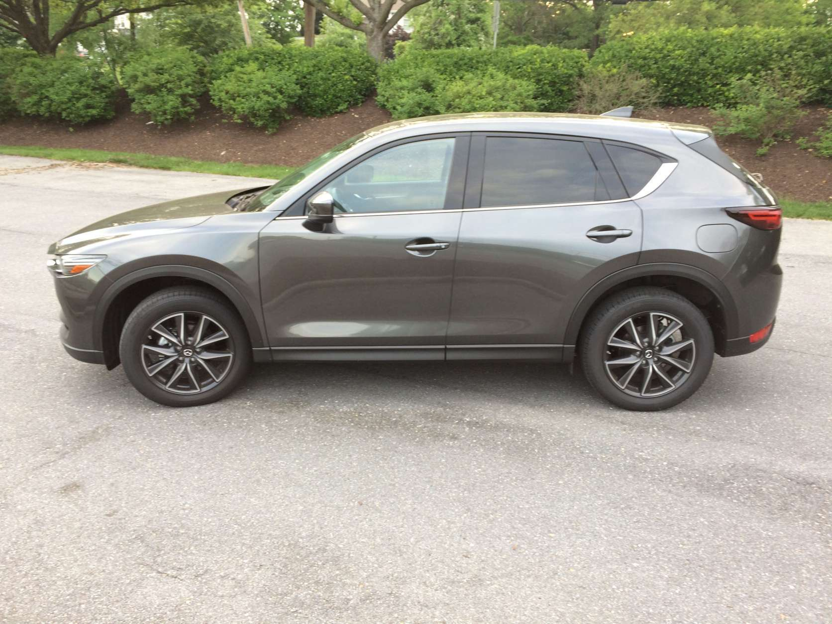 The side view is bolstered by the 19-inch wheels that come on the Grand Touring trim level. (WTOP/Mike Parris)