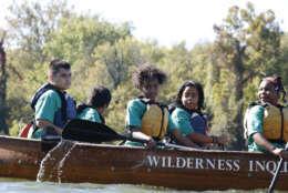 Samarah Malcolm and her classmates on the Potomac River. (WTOP/Kate Ryan)