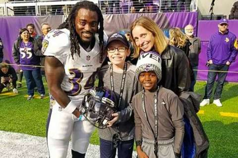 Boy bullied for Irish dance meets Ravens player who trains in Irish dancing for football