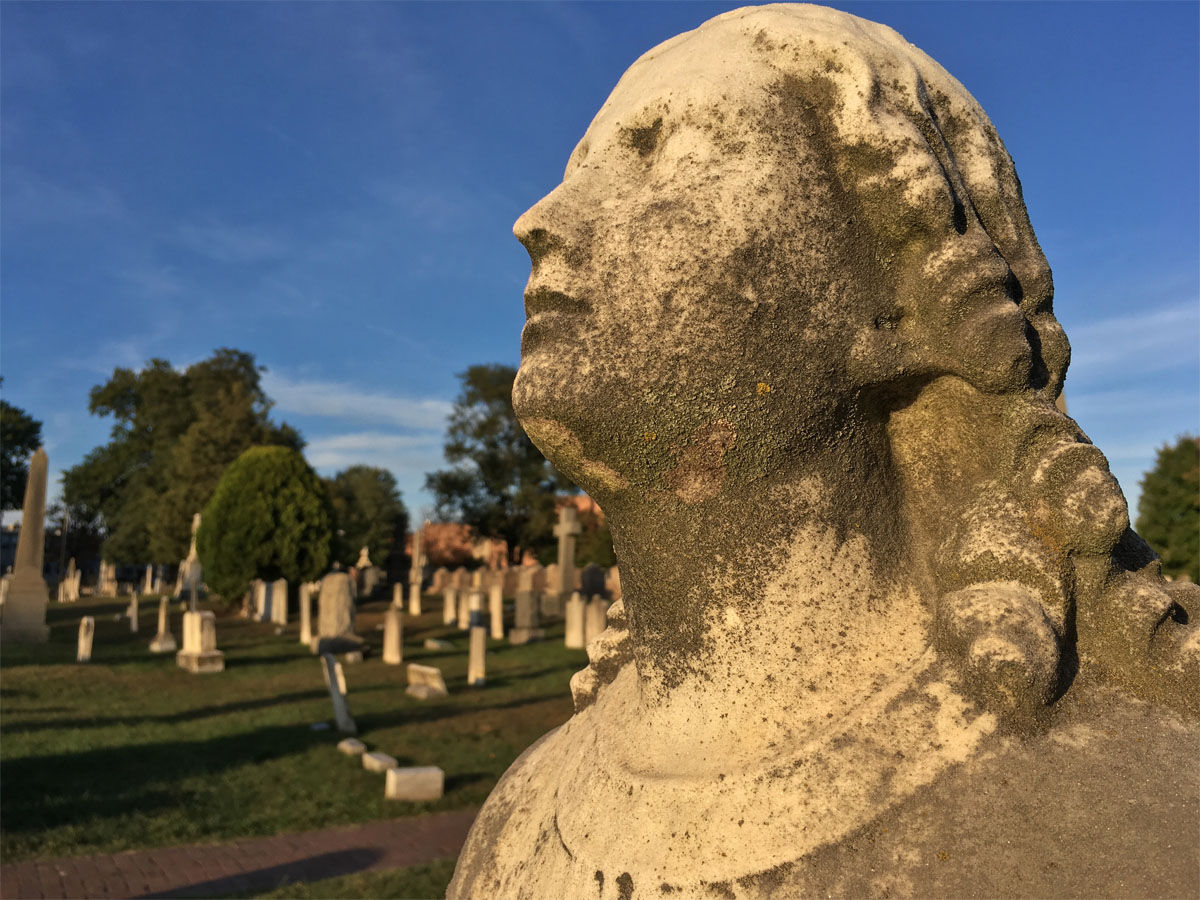 Congressional Cemetery (WTOP/Jack Moore)