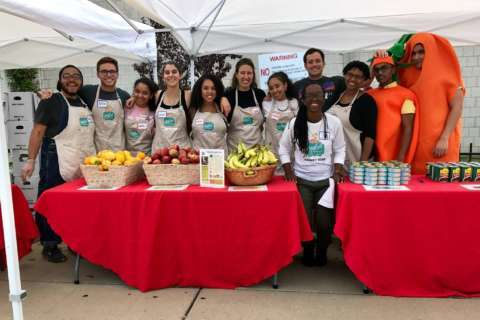 With lack of grocery stores, volunteers bring pop-up markets to DC areas