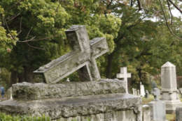 """A photo of Rock Creek Cemetery, run by St. Paul's Rock Creek Episcopal Parish. A spokesman for the parish said they pay $230,000 annually for water use to maintain the cemetery, almost a """"6,471 percent increase in less than 10 years. """" (WTOP/Kate Ryan)"""