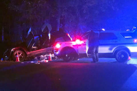 Police chase, shoot suspect involved in GW Parkway crash