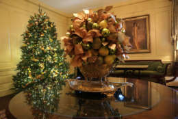 """WASHINGTON, DC - NOVEMBER 27:  The Vermeil Room at the White House during a press preview of the 2017 holiday decorations November 27, 2017 in Washington, DC. The theme of the White House holiday decorations this year is """"Time-Honored Traditions.""""  (Photo by Alex Wong/Getty Images)"""