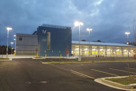 Metro may outsource bus service at its newest facility