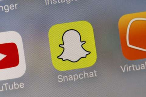 Md. middle school students asked to send nude photos on Snapchat