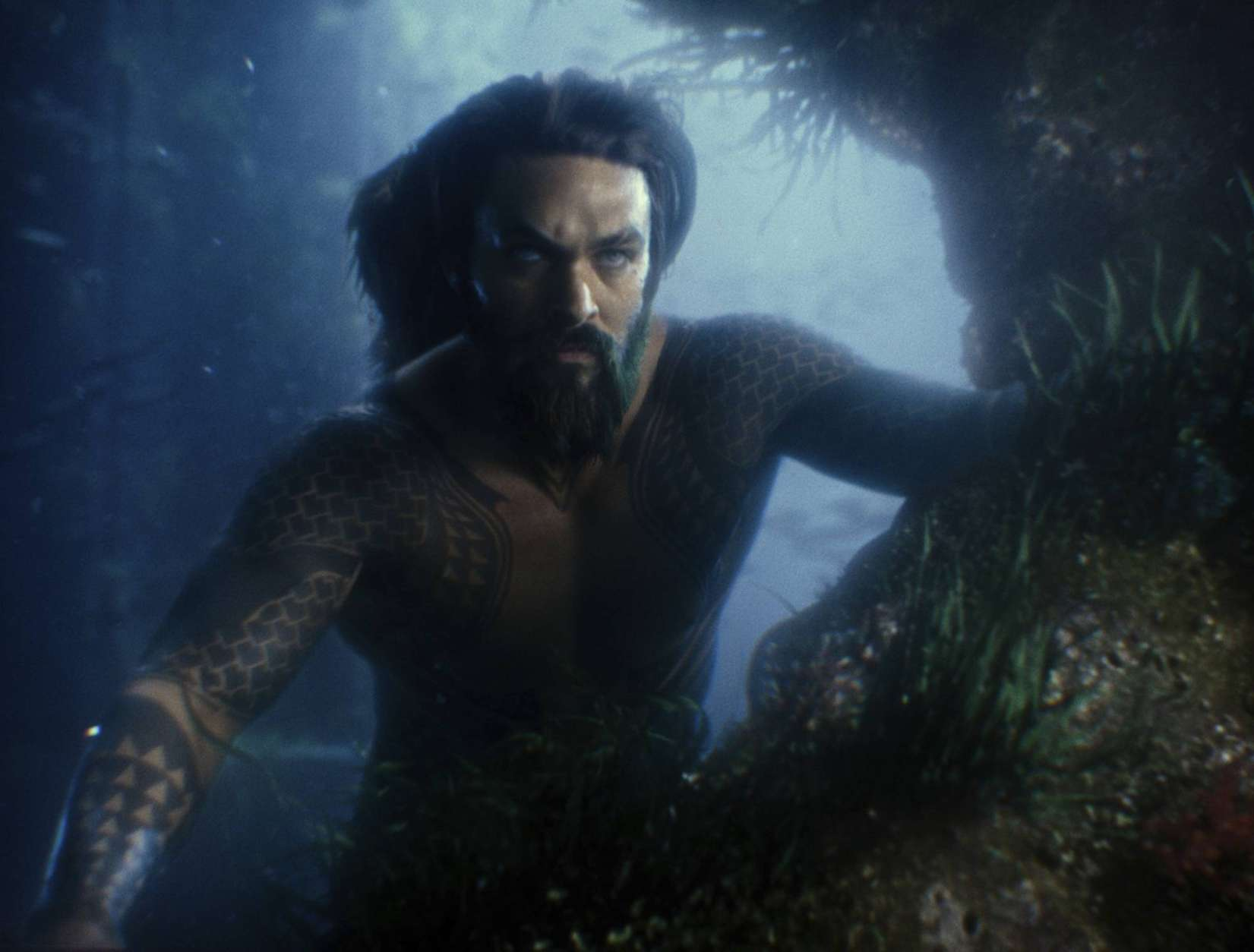 """This image released by Warner Bros. Pictures shows Jason Momoa in a scene from """"Justice League."""" (Warner Bros. Entertainment Inc. via AP)"""