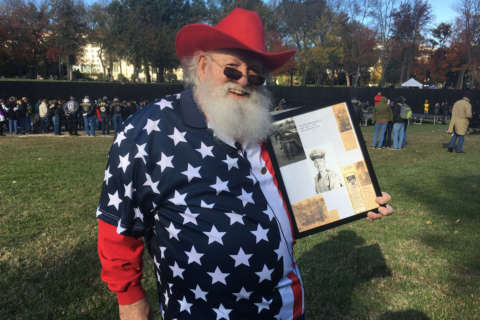 Fallen Vietnam service members remembered on National Mall