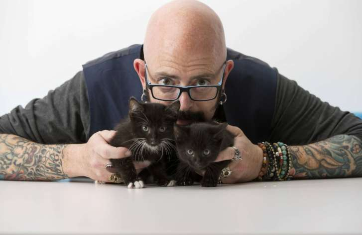 Cat tips from the man who wrote the book tv 39 s jackson for Jackson galaxy