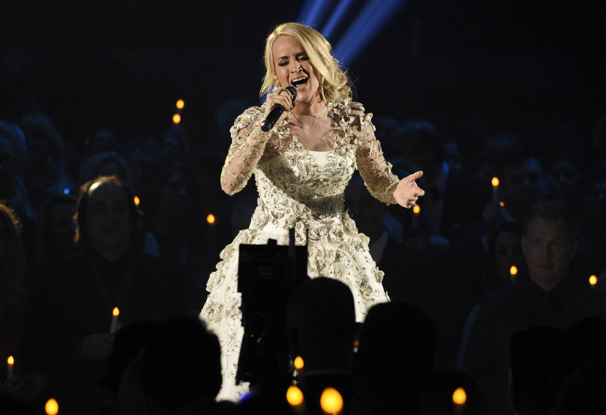 Singer carrie underwood recuperating after fall at home wtop for Carrie underwood softly and tenderly