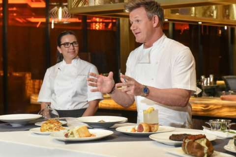 Gordon Ramsay places a bet at Horseshoe Casino