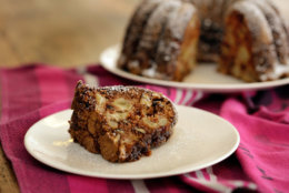 In this Aug. 4, 2016 photo, apple cake baked in a Bundt pan, styled by Sarah Abrams, is displayed at the Institute of Culinary Education in New York. (AP Photo/Richard Drew)