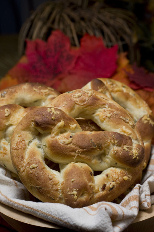 This photo taken Oct. 28, 2009 shows bacon baked potato pretzels. These soft and chewy bacon baked potato pretzels are a great alternative to rolls for this Thanksgiving. (AP Photo/Larry Crowe)