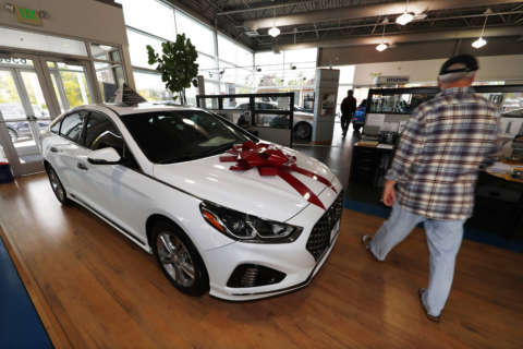 Black Friday car deals: Know the pros and cons of leasing or buying a car