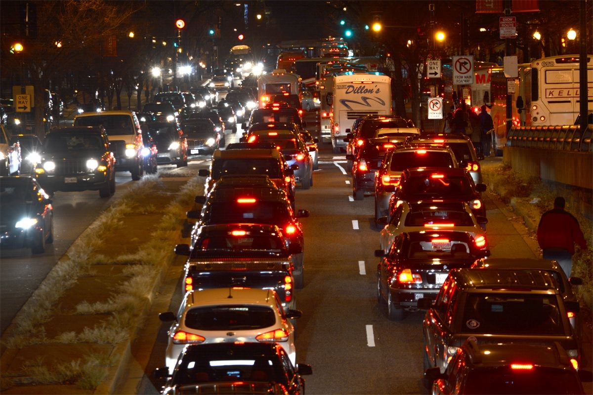 Gridlock spreads to streets as far north as K Street during the 2015 National Christmas Tree Lighting closures. (WTOP/Dave Dildine)