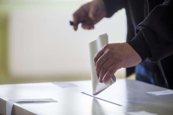https://wtop.com/wp-content/uploads/2017/11/voting-ballot_-TS-727x485.jpg
