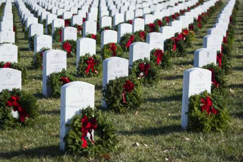 Holiday wreaths to head to Arlington National Cemetery