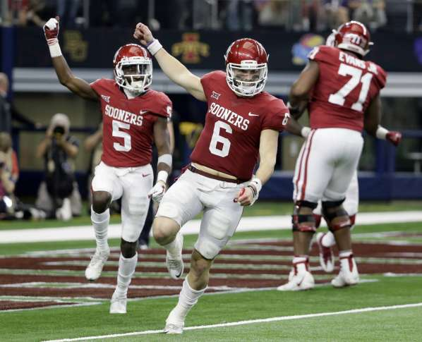 Caleb Kelly returns fumble for Sooners TD on TCU's first offensive play