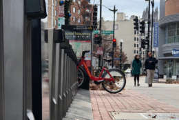 Since it was introduced to D.C. seven years ago, Capital Bikeshare has become a fixture in the District and the suburbs, but since September DDOT has been granting permits for new dockless bikeshares that can be picked up and dropped off practically anywhere. (WTOP/Kate Ryan)