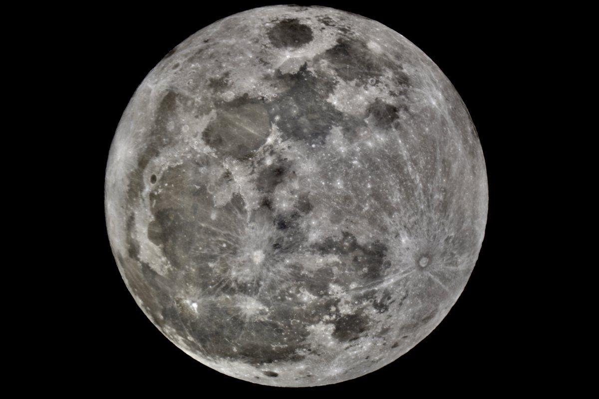 This photo of the moon was taken using a Nikon D810A & Takahashi Mewlon 250 telescope in Virginia on Monday, Jan. 1, 2018. (Credit: Greg Redfern)