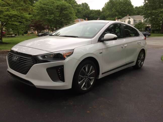 2017 Hyundai Ioniq Hybrid Tries To Outdo The Venerable Prius Wtop