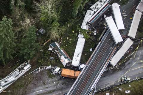 Jury awards $17M to 3 plaintiffs in deadly Amtrak derailment