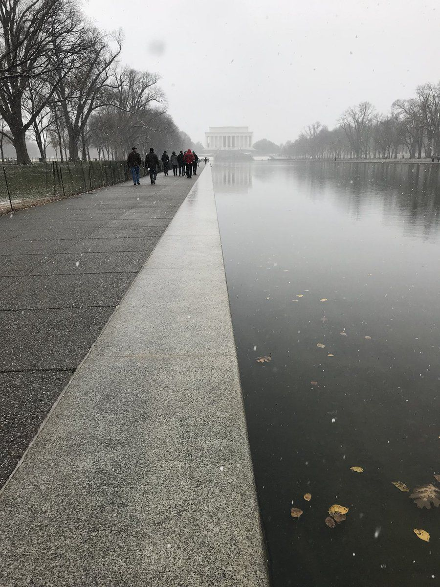 Twitter user Eric Druxman (@druxman) shared a photo of the gray, snowy weather on the mall. (Courtesy Twitter/ @Druxman)