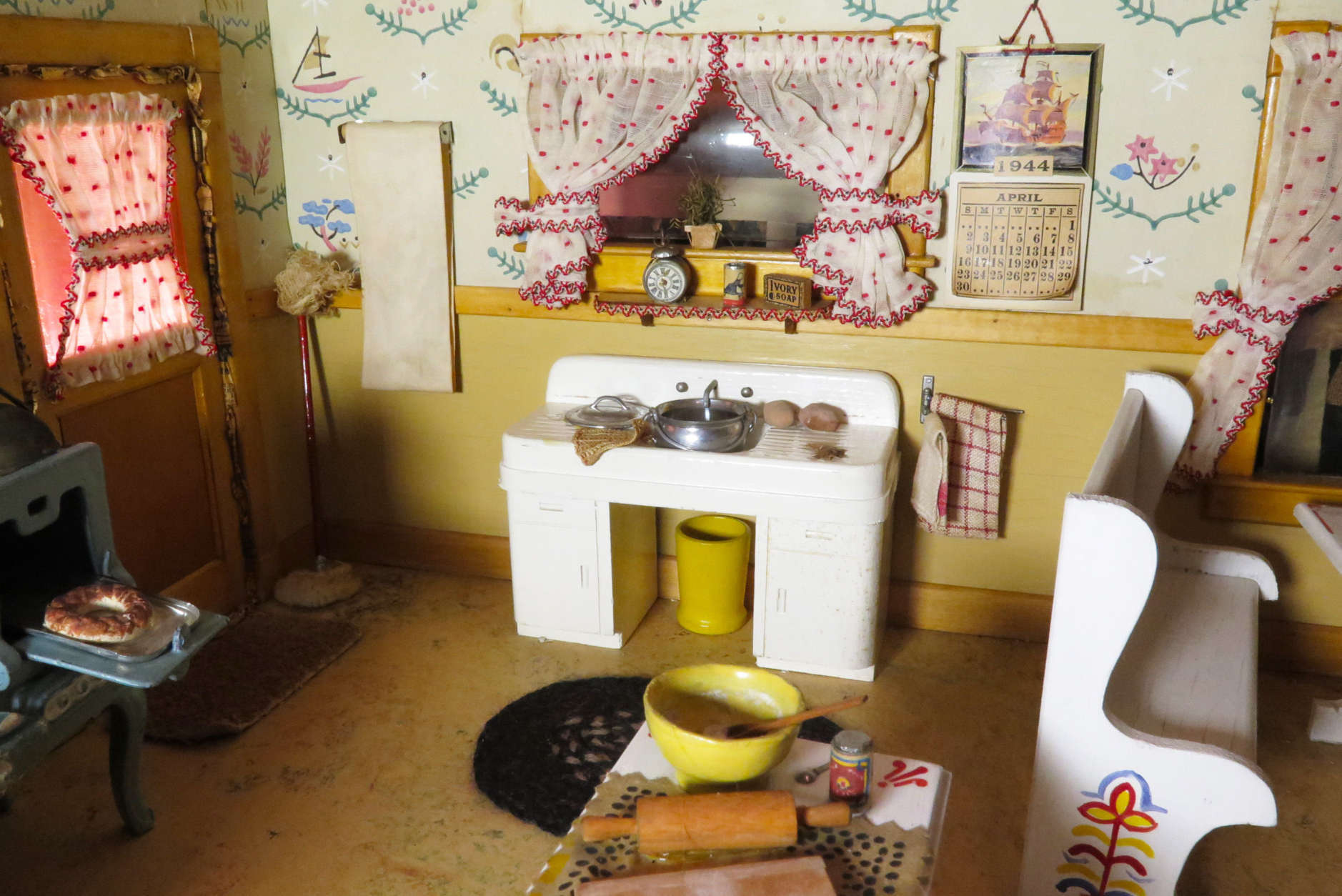 "In this photo: a close-up within the diorama titled, ""Kitchen.""  Frances Glessner Lee, Kitchen (detail), about 1944-46. Collection of the Harvard Medical School, Harvard University, Cambridge, MA, courtesy of the Office of the Chief Medical Examiner, Baltimore, MD. (Courtesy of the Renwick Gallery)"