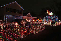 Santa and his crew fly over the driveway of this Alexandria home. (Courtesy Holly Zell)