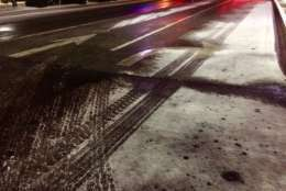 A dusting of snow in Frederick, Maryland, which could make the roads icy. (WTOP/Nick Iannelli)
