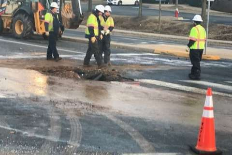 Water main break closes portion of Lee Highway for hours
